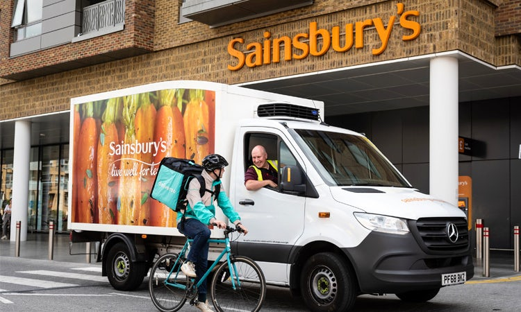 Sainsbury's and Deliveroo trial takeaway pizza
