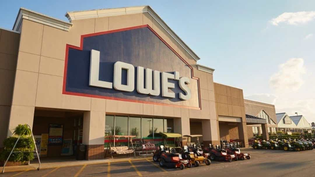 Lowe's exec touts drill as perfect for Hispanics