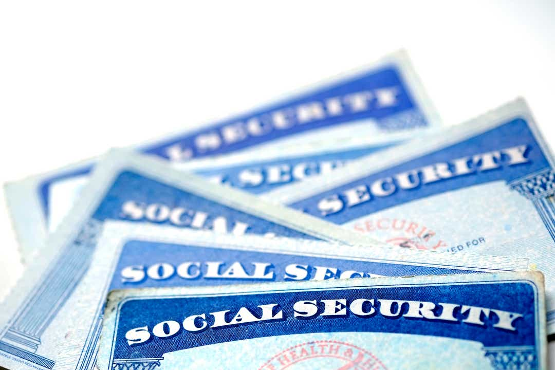 What is my retirement age? When to claim benefits?