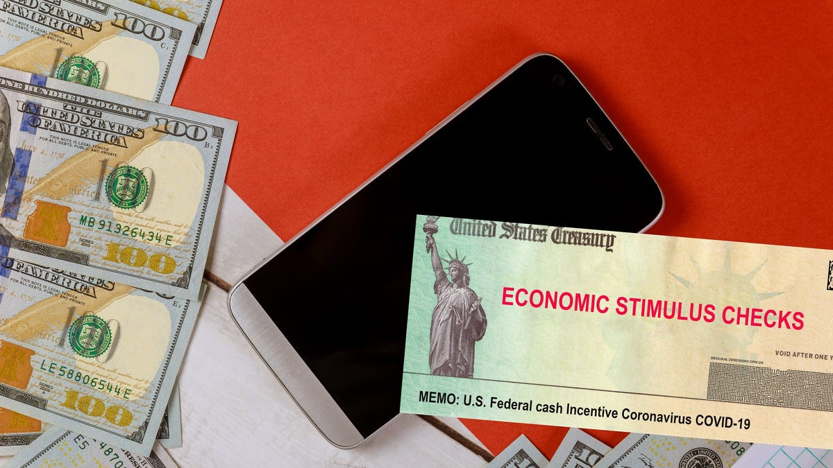 Stimulus check: Young investors use $1,400 COVID-19 relief payments to join stock market boom