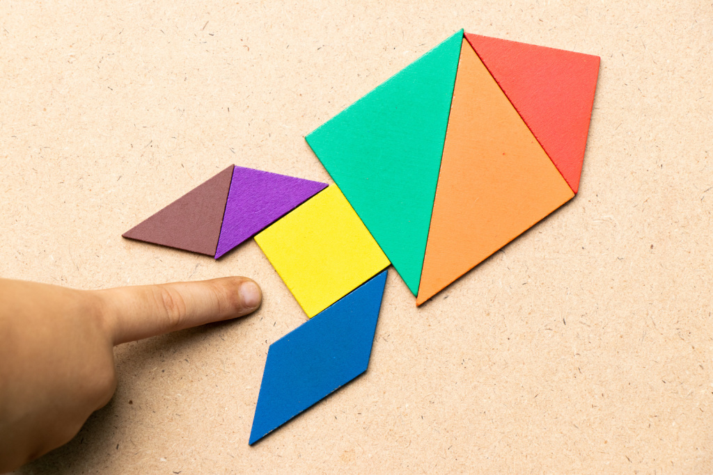 The Best Tangram Shapes Sets for Logic and Math Learning
