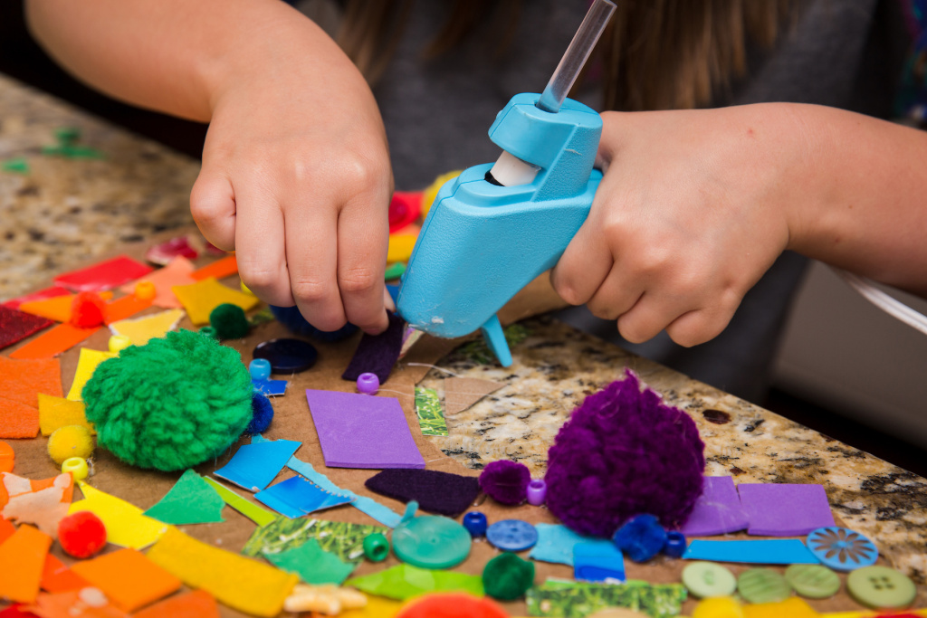 The Best Craft Kits and Gift Boxes for Kids