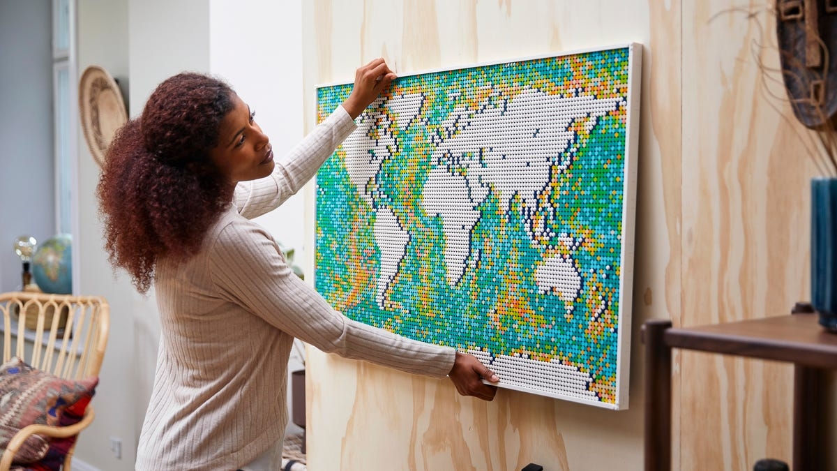 Lego Art World Map set boasts more than 11,000 pieces – the most in a set ever